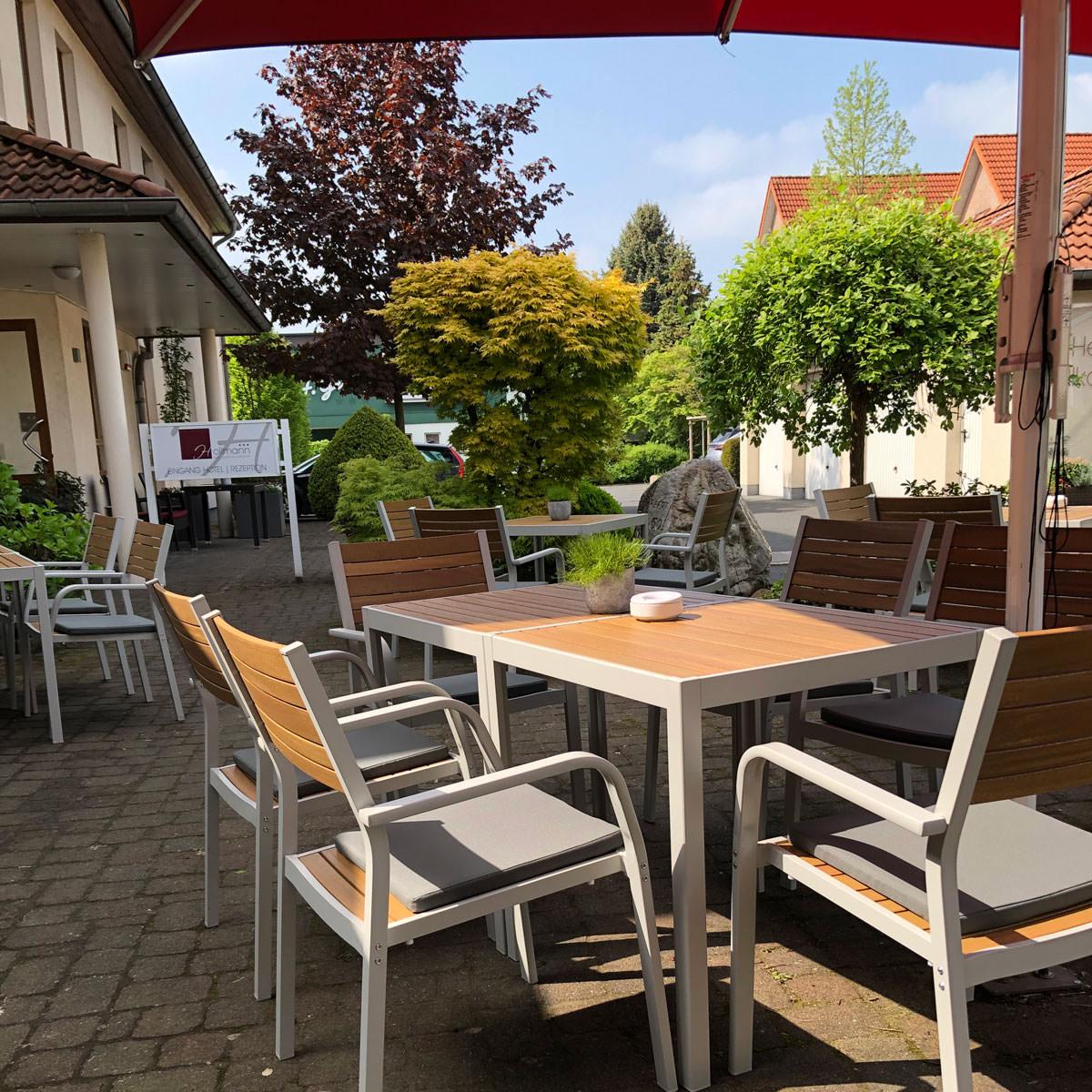 Restaurant und Hotel Hollmann in Halle Westf., gemütlicher Außenbereich